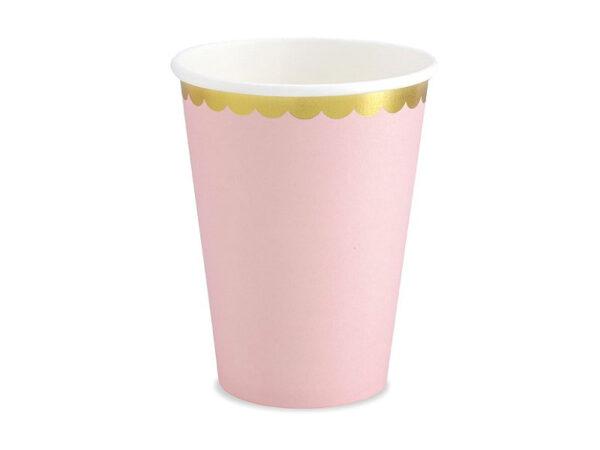 roze čaše sa zlatnim rubom