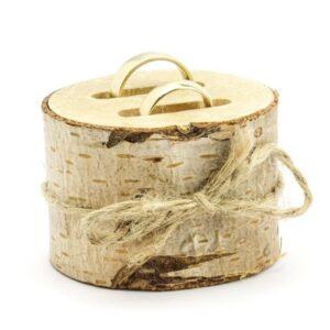 drveni stalak za prstenje
